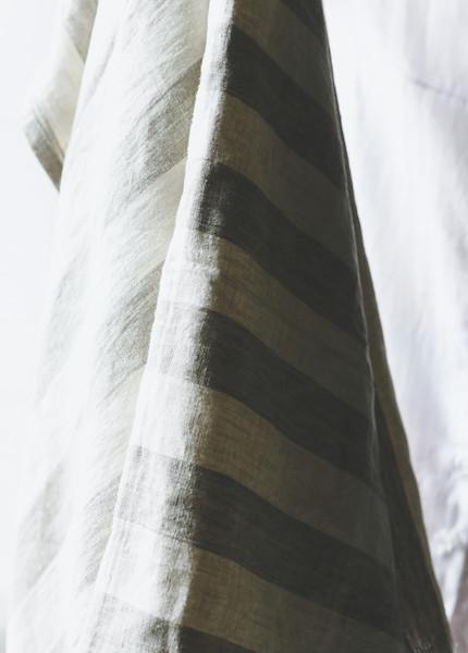 Le Fil Rouge Linen Throw - Wide Stripe