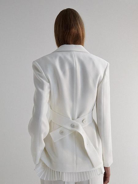 MOON CHOI Tailored 2-Tucks Blazer
