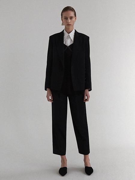 Moon Choi Pin-Tuck Trousers