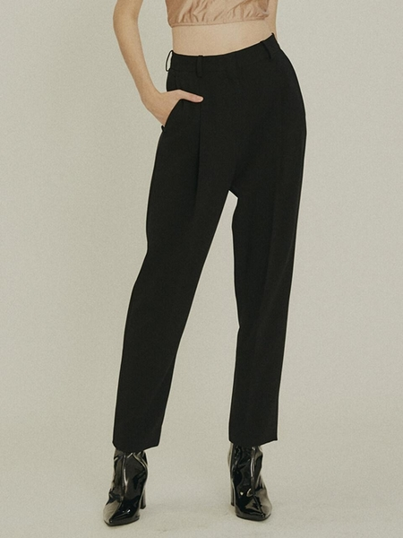 Frontrow Drama Signature One Tuck Tapered Trousers - Black