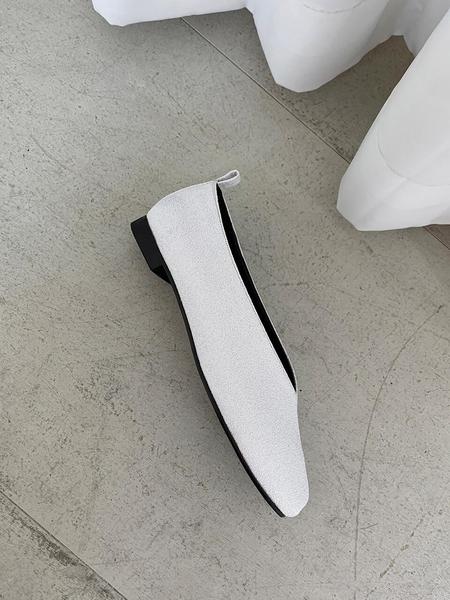 FLAT APARTMENT CIRCLE Ballet Flats - White Pebble