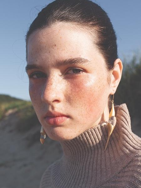 1064STUDIO Deep In Glassland Earrings - Gold/White