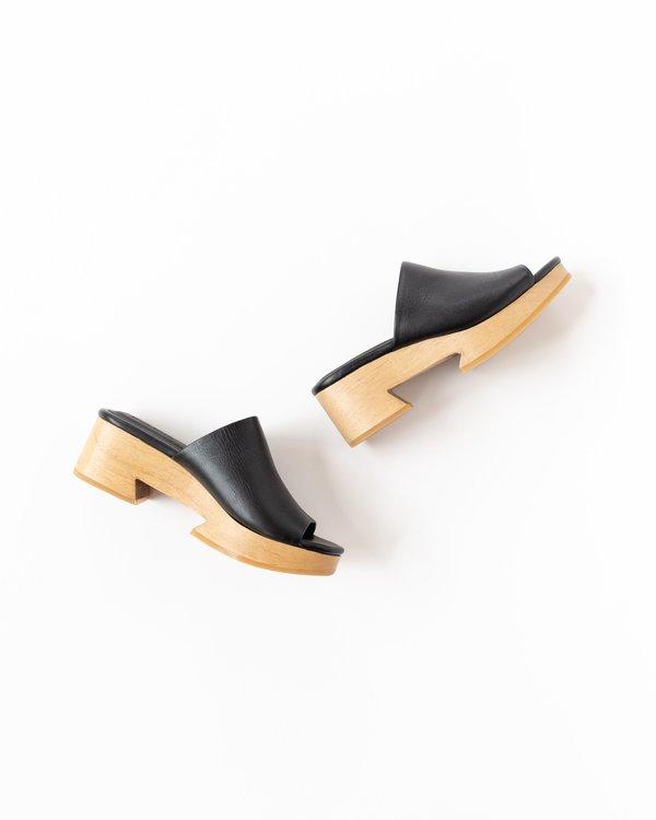 Beklina Tétouan Clog Slides - Black