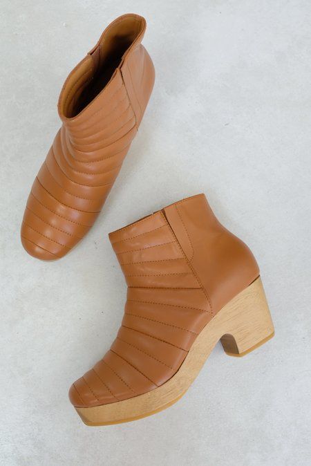 Beklina Ribbed Boot Clog - Dry Clay
