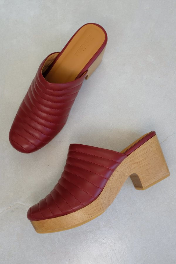 Beklina Ribbed Clog - Blood