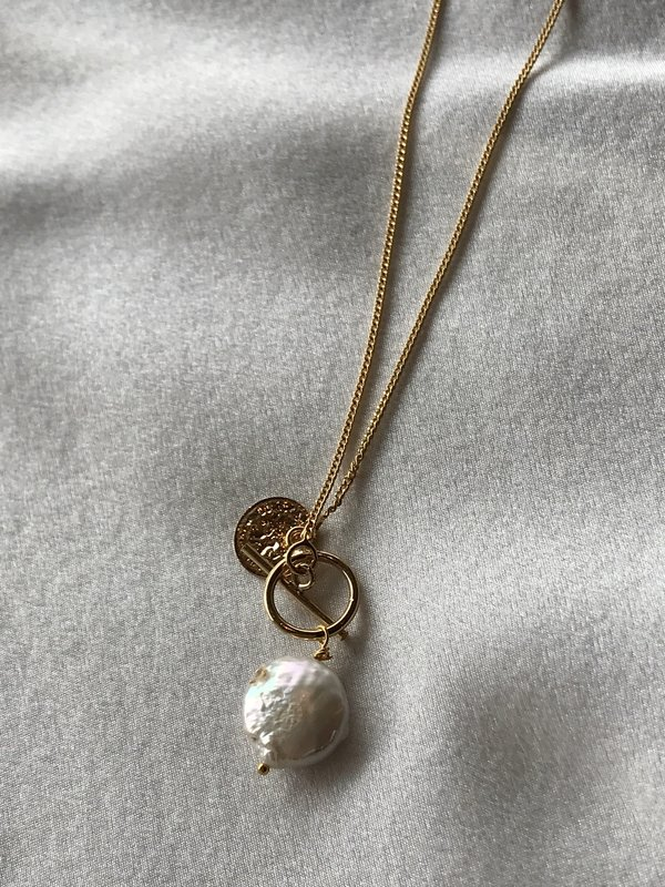 BEFORE MARCH Fes necklace
