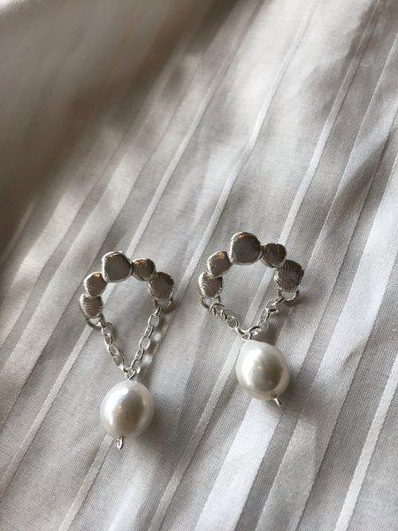 BEFORE MARCH Gatsby earrings