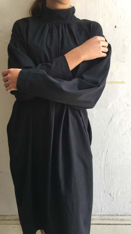 Black Crane Walnut Dress - Black