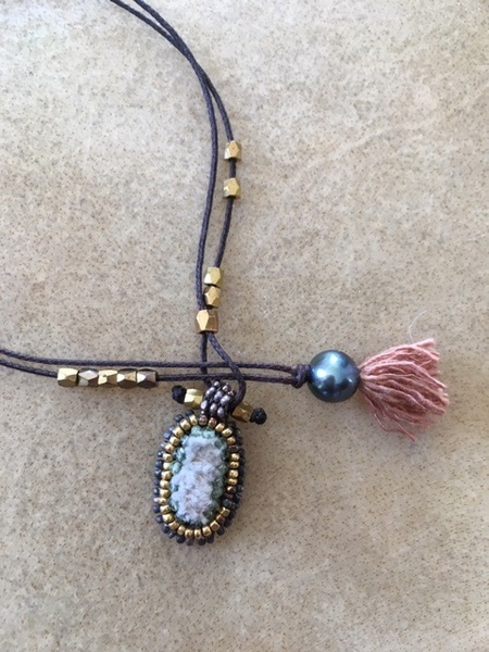 Ishi Tria mini Oval Necklace - Pearl