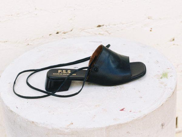 BEFORE MARCH String mule - black nappa
