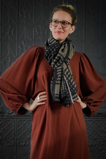 Epice Anthracite Shawl - Anthracite