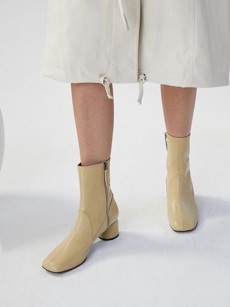 CHIELEI Gentle Loafer Boots - Yellow Beige