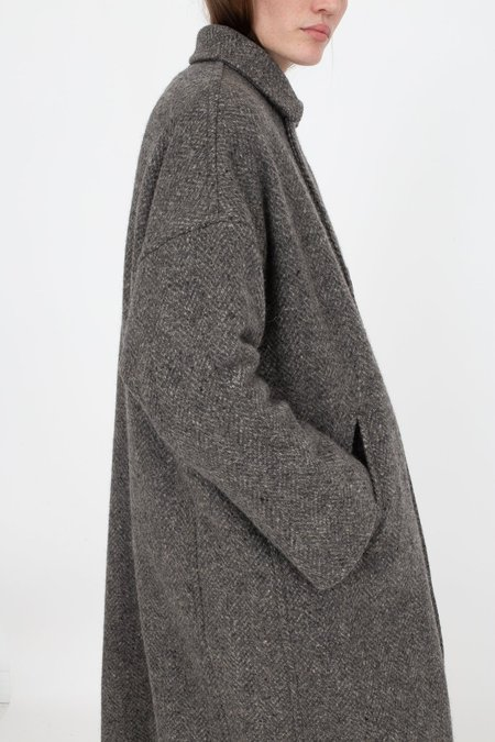 nest Robe Lomond Wool Herringbone Double Breasted Coat - Charcoal Grey
