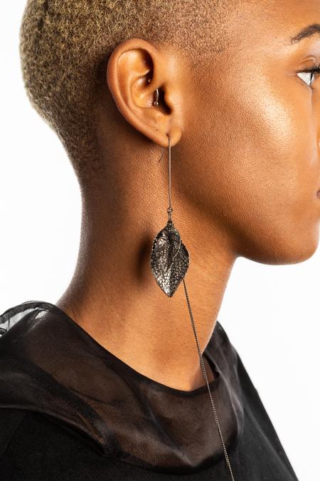 GOTI Large Leaf Earrings - Silver