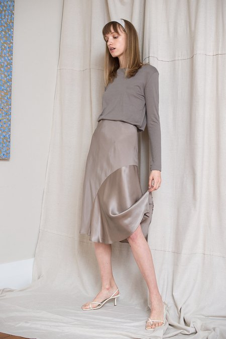 LOCLAIRE Moray Skirt - Mousse