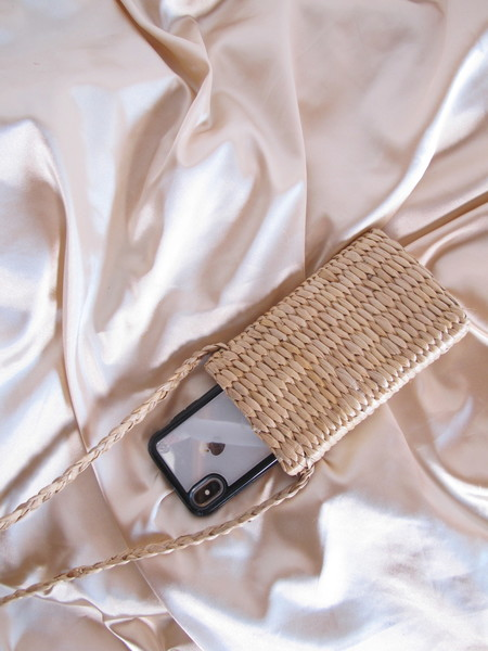 Folk Fortune Raffia Iphone Carrier