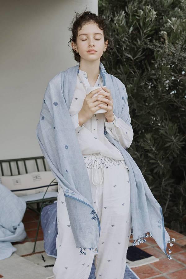 Karu Jamdani Handloom Cotton Summer Scarf - Blue Floral