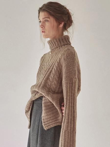 YAN13 Pretzel Turtle Sweater - Brown