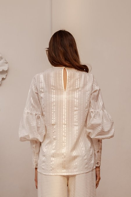 BEFORE MARCH Sonnet blouse