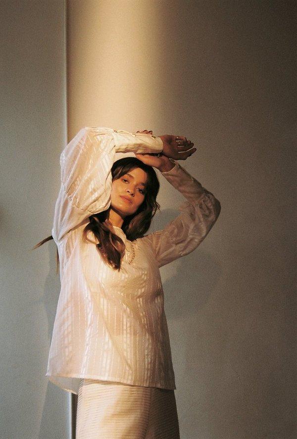BEFORE MARCH Sonnet blouse