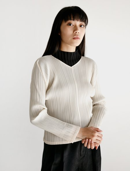 Pleats Please Wide V-Neck Pullover Top - Ivory