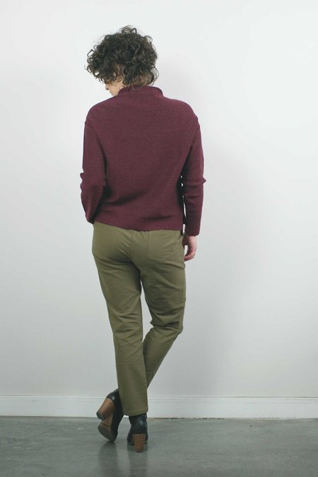 Atelier b. Slim Fit Trouser - Sand
