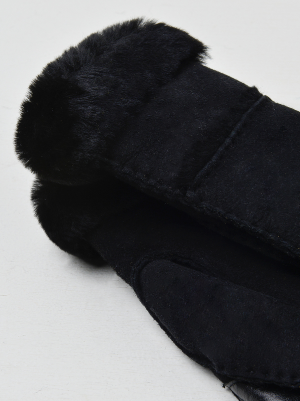 UGG SEAMED TECH GLOVE - BLACK