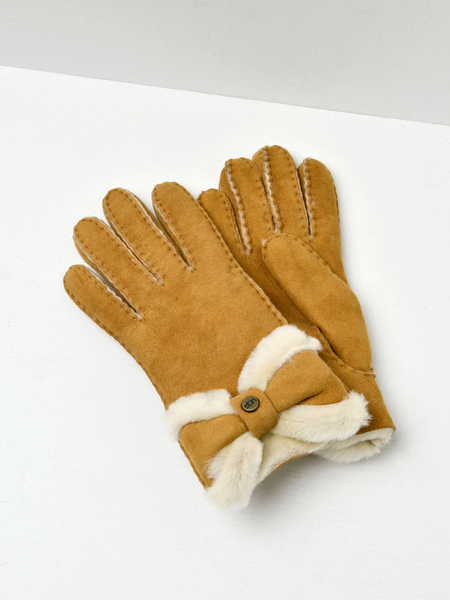 UGG SHEEPSKIN TURNDED BOW GLOVE - CHESTNUT