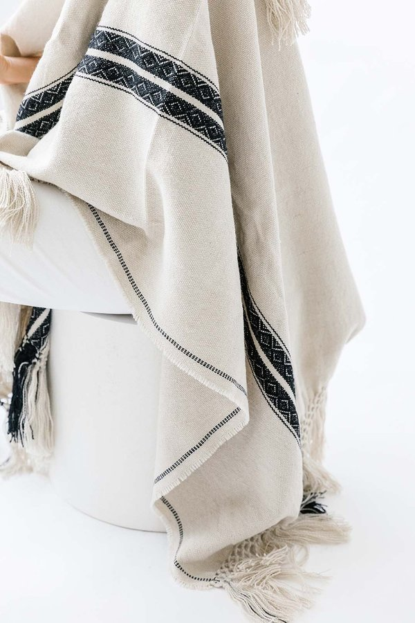 Pampa poncho - Black/white