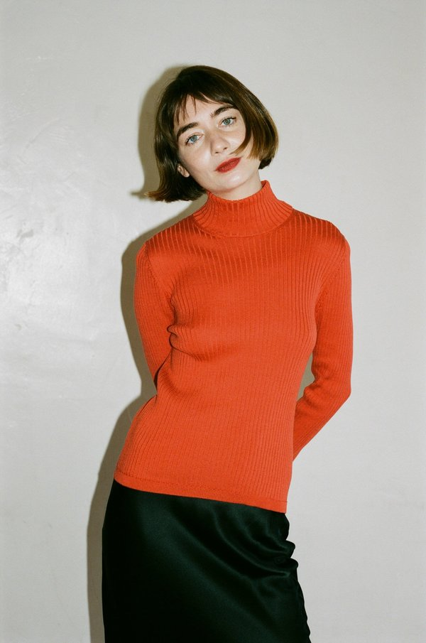 Priscavera Turtle Neck Slim Sweater