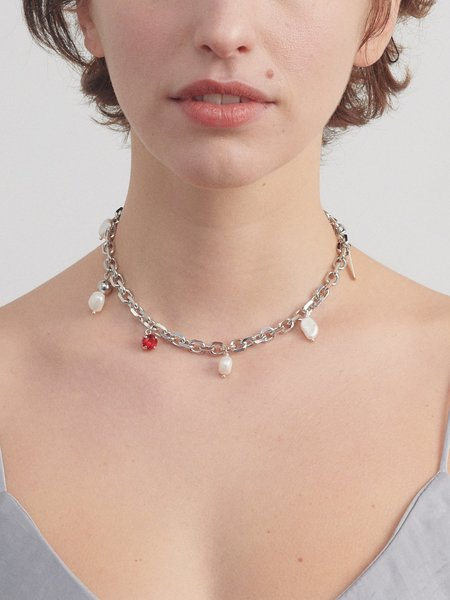 Justine Clenquet Holly Choker