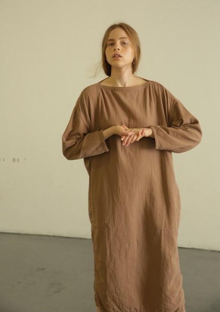 BLACK CRANE EASY DRESS - CAMEL