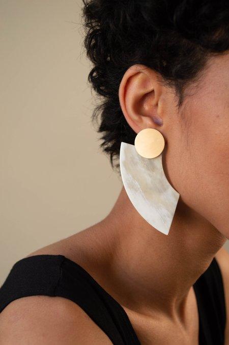 CATH•S Half Moon Horn Earrings - Beige/White