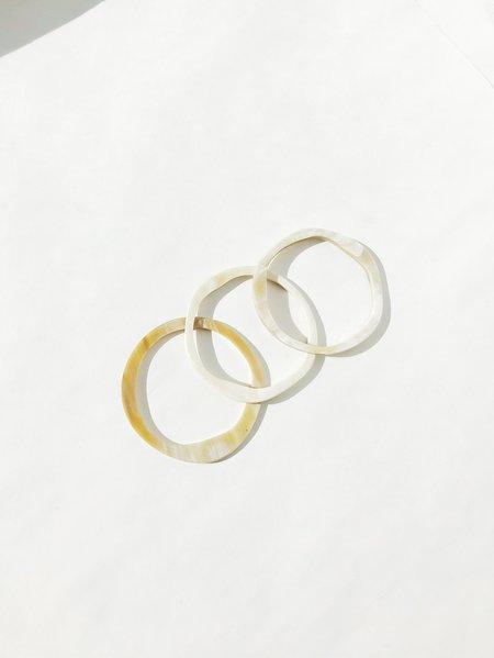 CATH•S Set of 3 Horn Bracelets - Beige