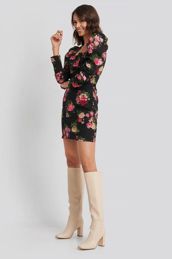 NA-KD Voluminous Shoulder Dress