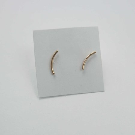 Favor Arc Curve Post Earrings - Gold