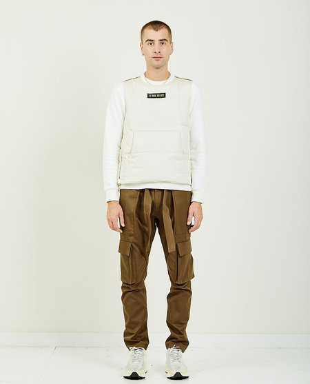 Ih Nom Uh Nit VEST WITH PATCH - OFF WHITE