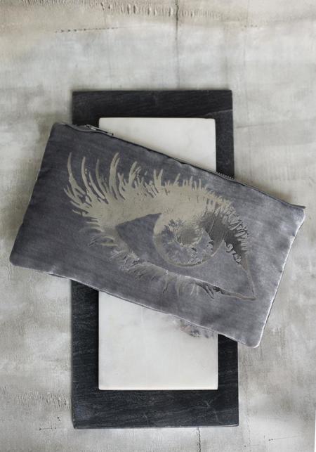 Ige Design Eye Velvet Pouch - Platinum