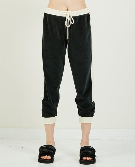 The Great. SIDE STRIPE CROPPED SWEATPANT - Charcoal