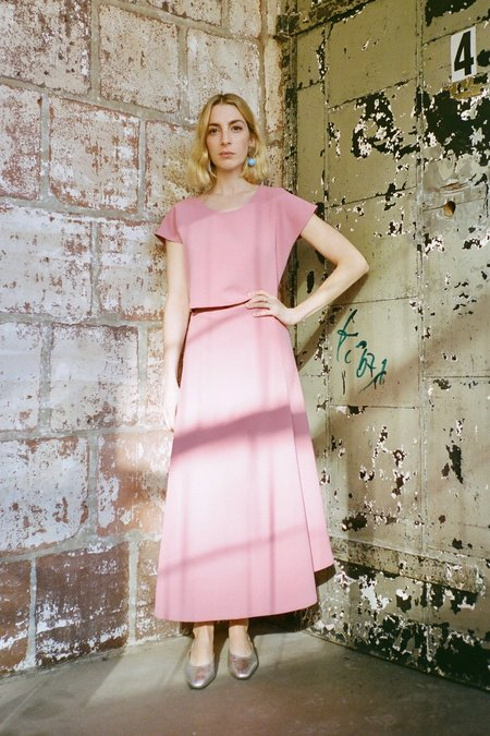 KAAREM Stream Deep Pleated Midi Skirt - Sunset Pink