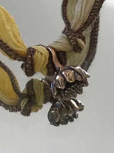 Catherine Michiels Lotus Charm - Bronze