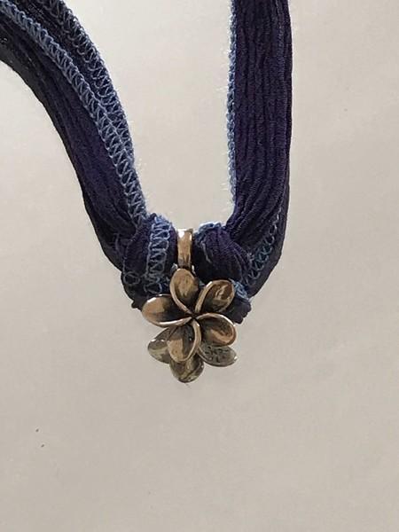Catherine Michiels Lily de Paris Charm - Bronze