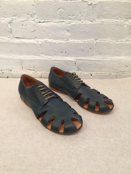 Gidigio Leather Cutout Oxford Shoes