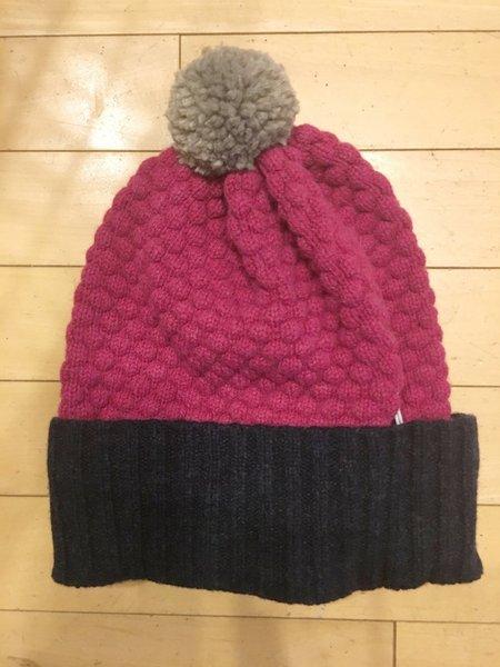 Catherine Tough Lambswool Bobble Hat - Navy/Plum