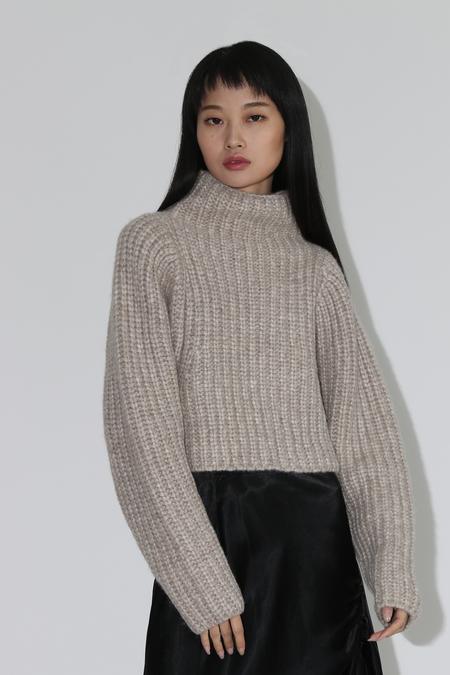 Shaina Mote Crop Knit Turtleneck Pullover - Melange Beige