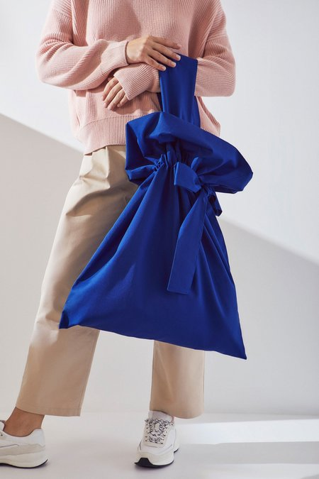 Kowtow Large Scrunch Bag - Cobalt