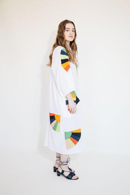Nikki Chasin COTTON BALLAD DRESS - WHITE FAN PATCH