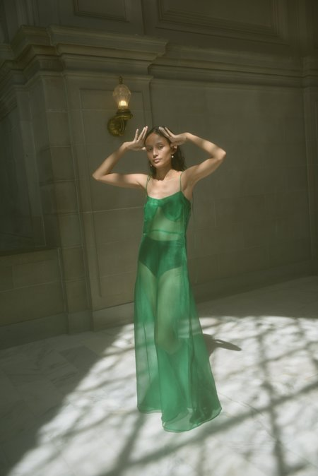 Kamperett RAE SILK ORGANZA DRESS - KELLY GREEN