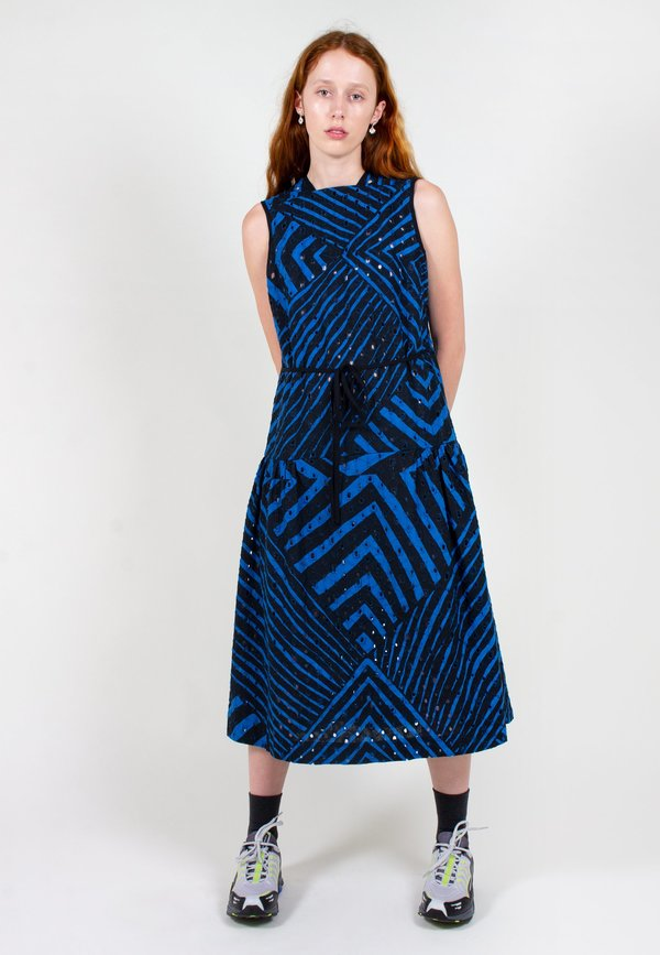 VERNER Broderie Dress Continuity Print - black/blue