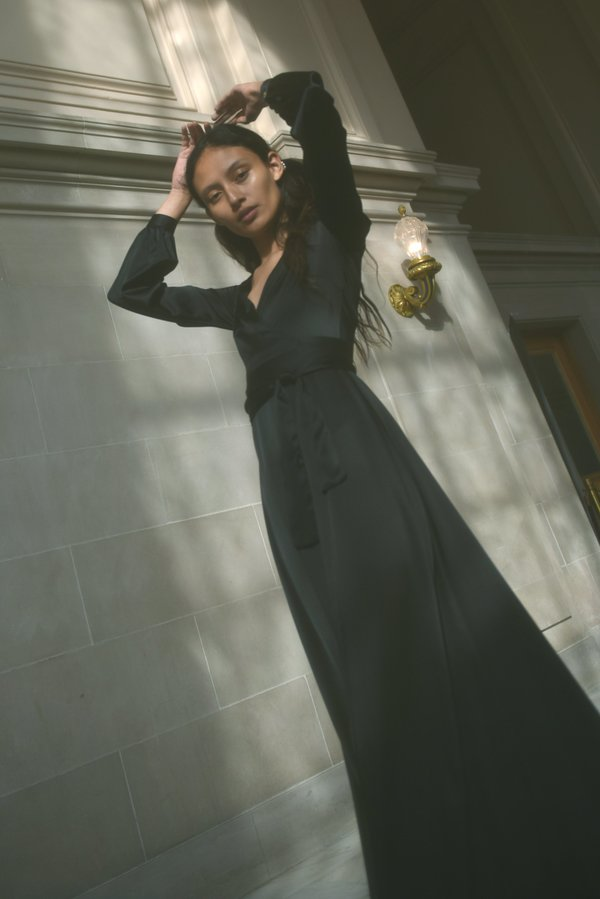 Kamperett LINDEN SILK MAXI WRAP DRESS - BLACK